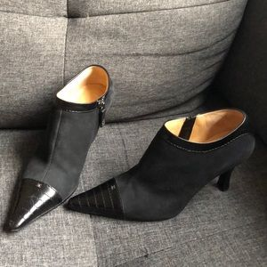 Chanel black leather booties 37 / 7 zip up